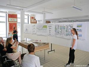 Studierende bei der Zwischenpräsentation am Karlsruher Institut für Technologie, Fachgebiet Internationaler Städtebau.
